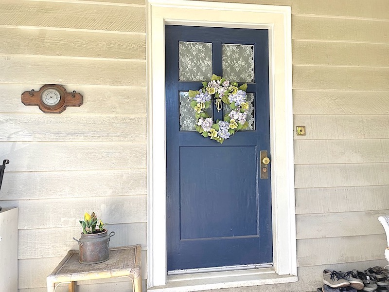 organized front porch